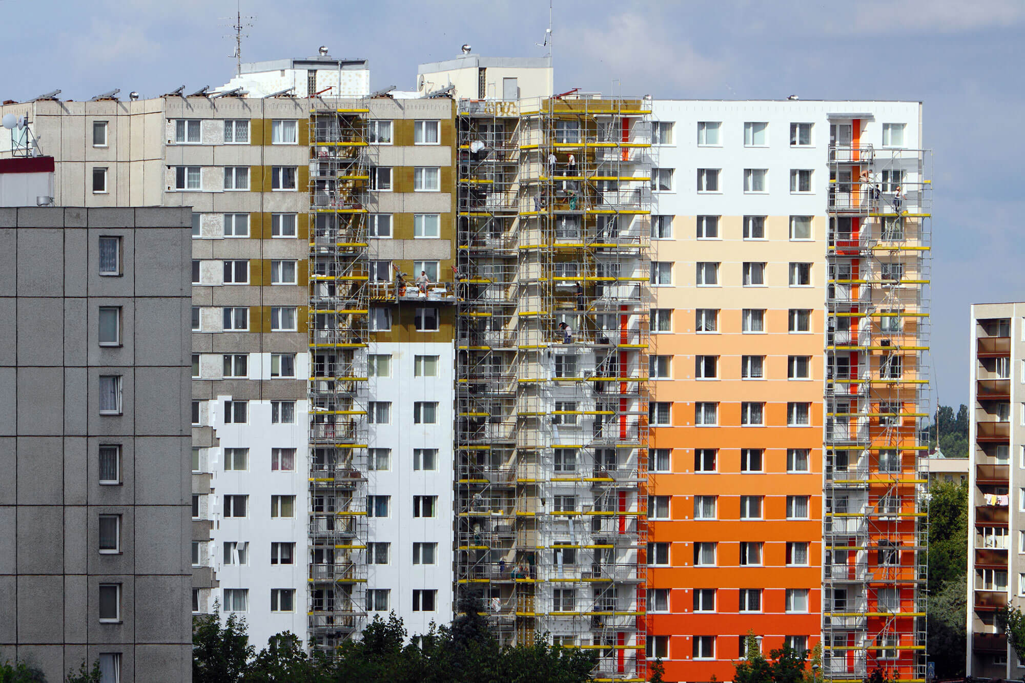 CONSTRUCTION & RESTORATION